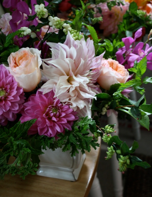 Another Table Design with a 'Cafe au Lait' Dahlia at the center